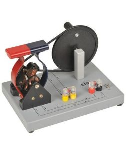 Hand cranked motor/generator